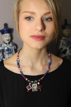 collier porté par modèle