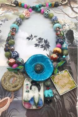 collier chinoiserie pavot bleu